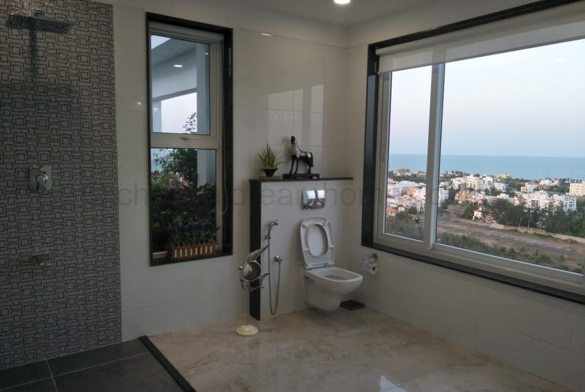 bathrooms with seaview